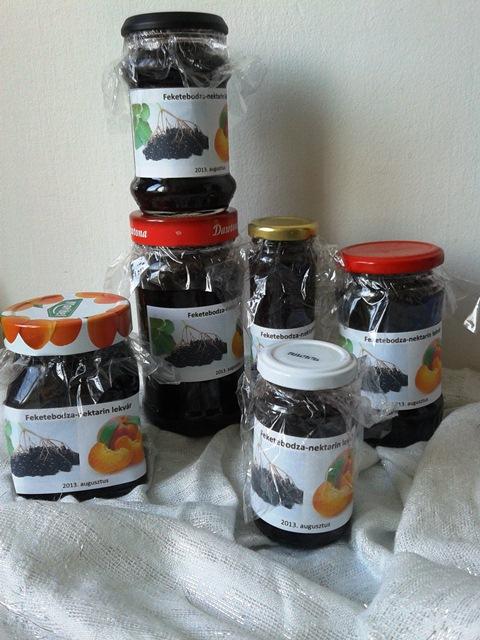 feketebodza-nektarinnal.jpg