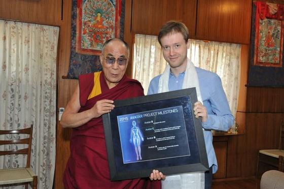 dmitry_itskov_es_a_dalai_lama.jpg