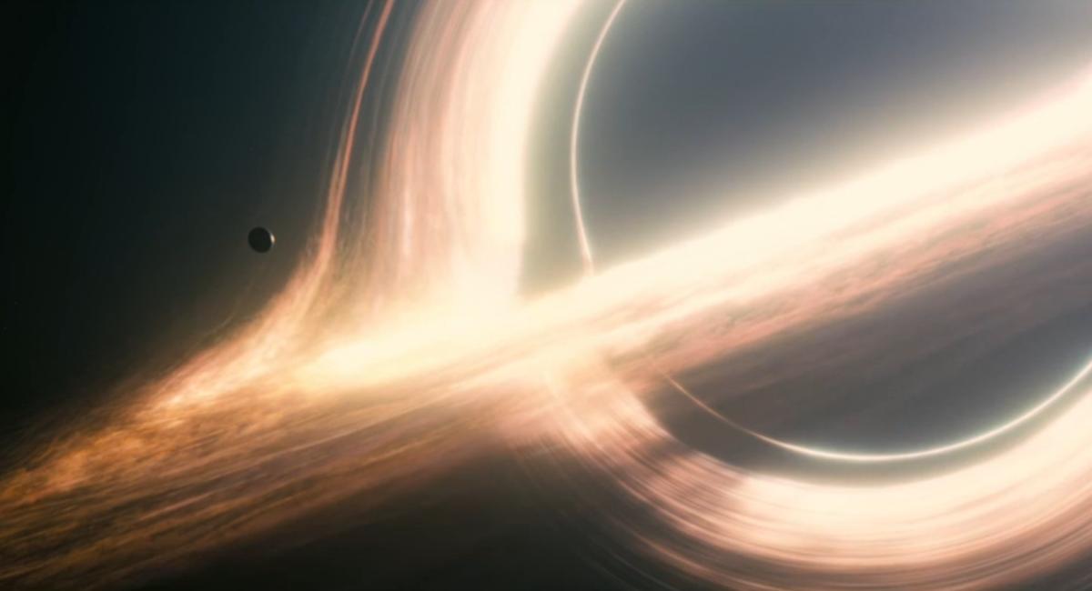 interstellar_black_hole.png