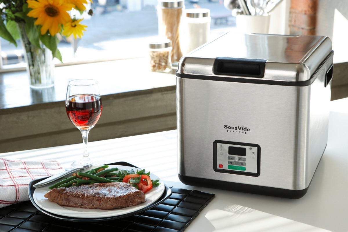 SousVide-Supreme-with-Plated-Food.jpg