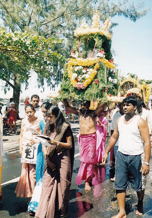 Cavadee  a hinduk szent ünnepe.jpg