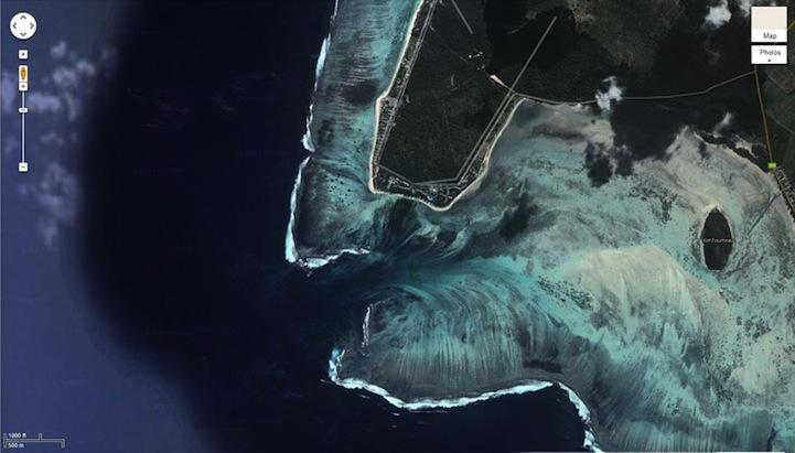 mauritiusunderwaterwaterfall5.jpg