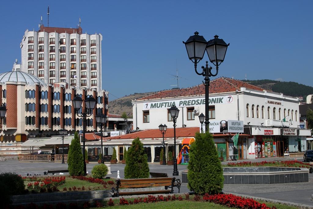 Novi Pazar-Főtér.JPG
