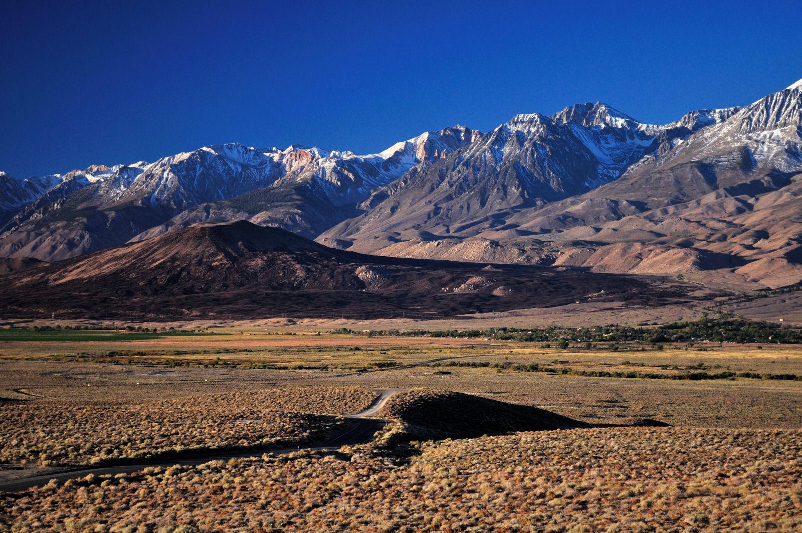 Inyo-White Mountains_owens völgy nappal.jpg