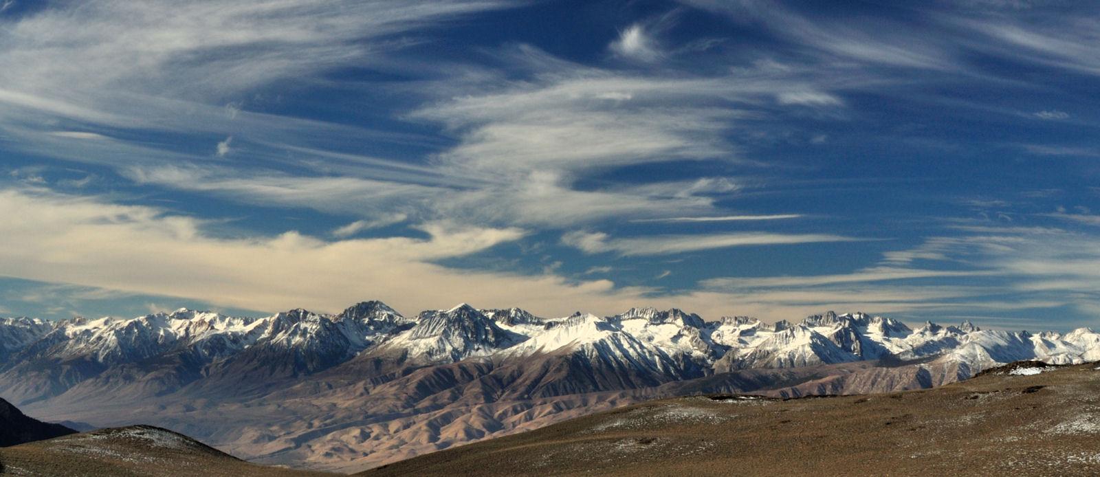 Inyo-White Mountains_panoráma 3000 m magasan.JPG