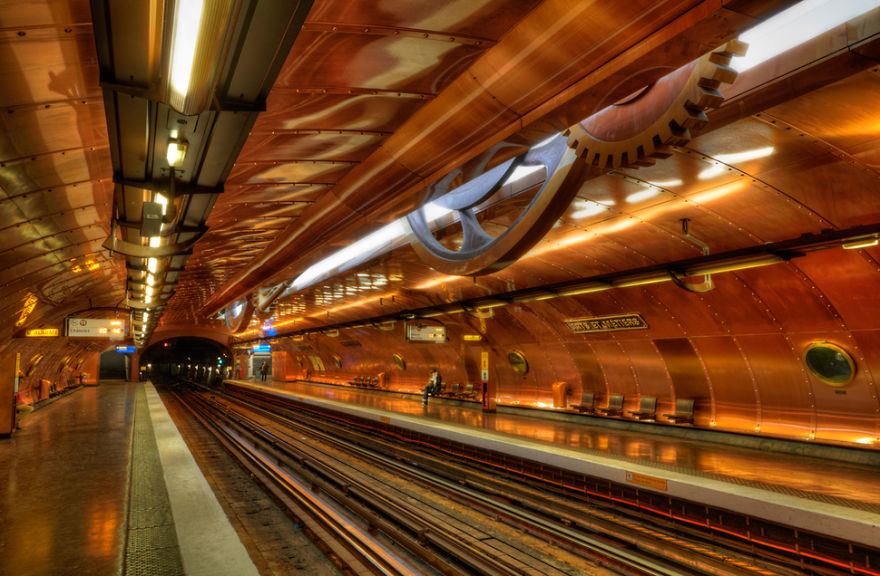 Arts Et Métiers Station_Paris metro.jpg