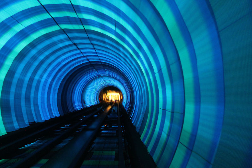 Bund Sightseeing Tunnel, Shanghai metro.jpg