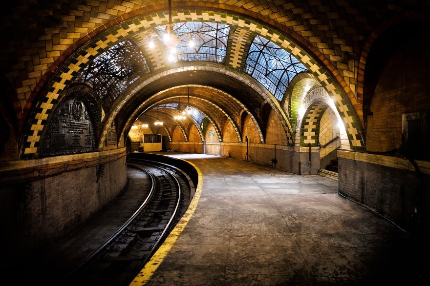 City Hall Station_New York metro.jpg