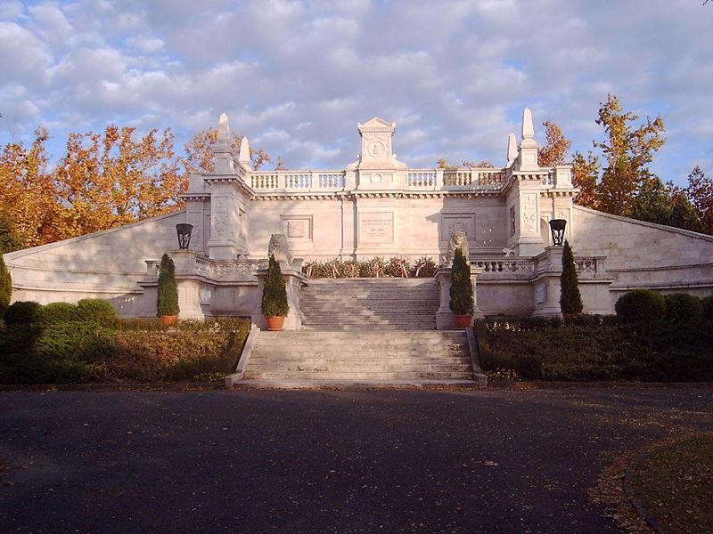 Fiumei úti sírkert, Budapest, Magyarország.jpg