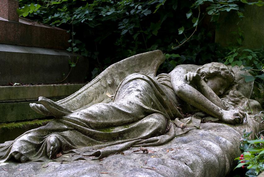 Highgate Cemetery, London, Anglia_1.jpg