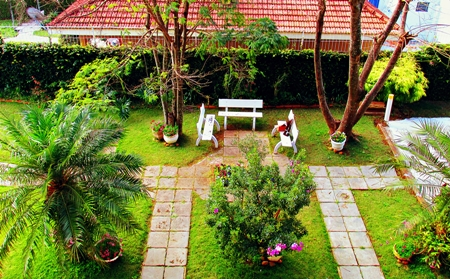 Tervezz nk pihen kertet 2 t rk vek nt z rendszer for Decoracion jardines pequenos frente casa