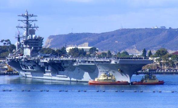 boxerhajók segítik az USS Nimitzet.jpg