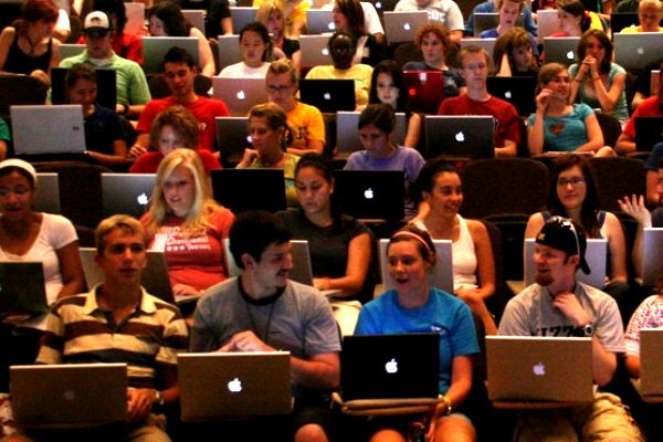 laptops-in-lecture.jpg