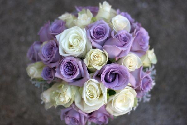 feher-lila-menyasszonyi-csokor.JPG