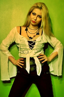 Binder Laura (Dalriada).jpg