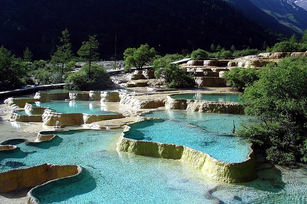 huanglong_hotspring.jpg