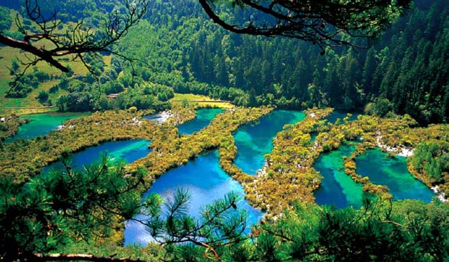 lake_jiuzhaigou-five.jpg