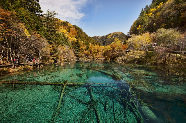 lake_jiuzhaigou_valley_wu_hua.jpg