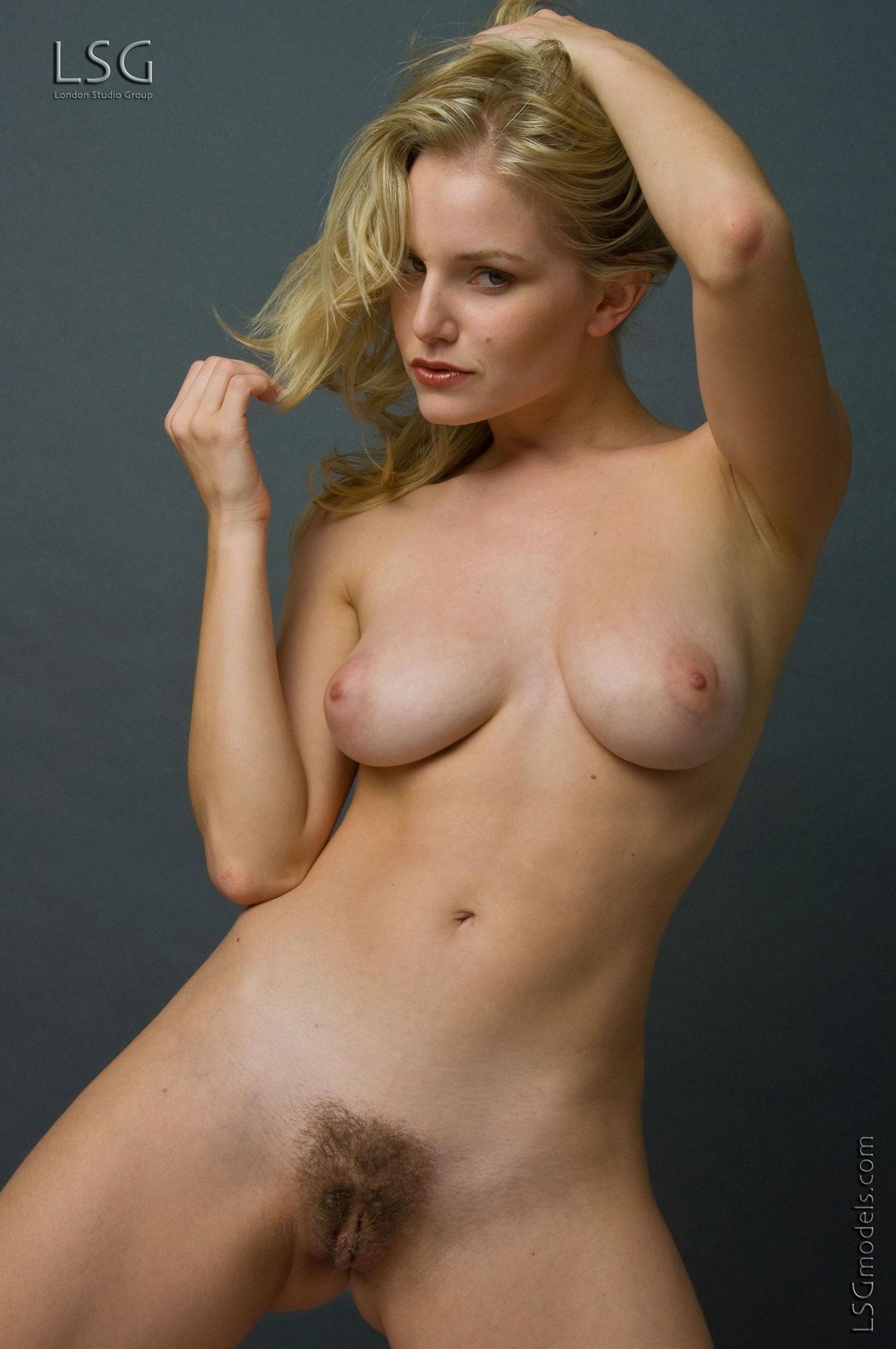 Lisa gleaves naked