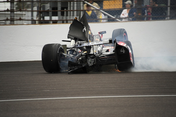 01-hildebrand_incident_indy500_mike-young-indycar.jpg