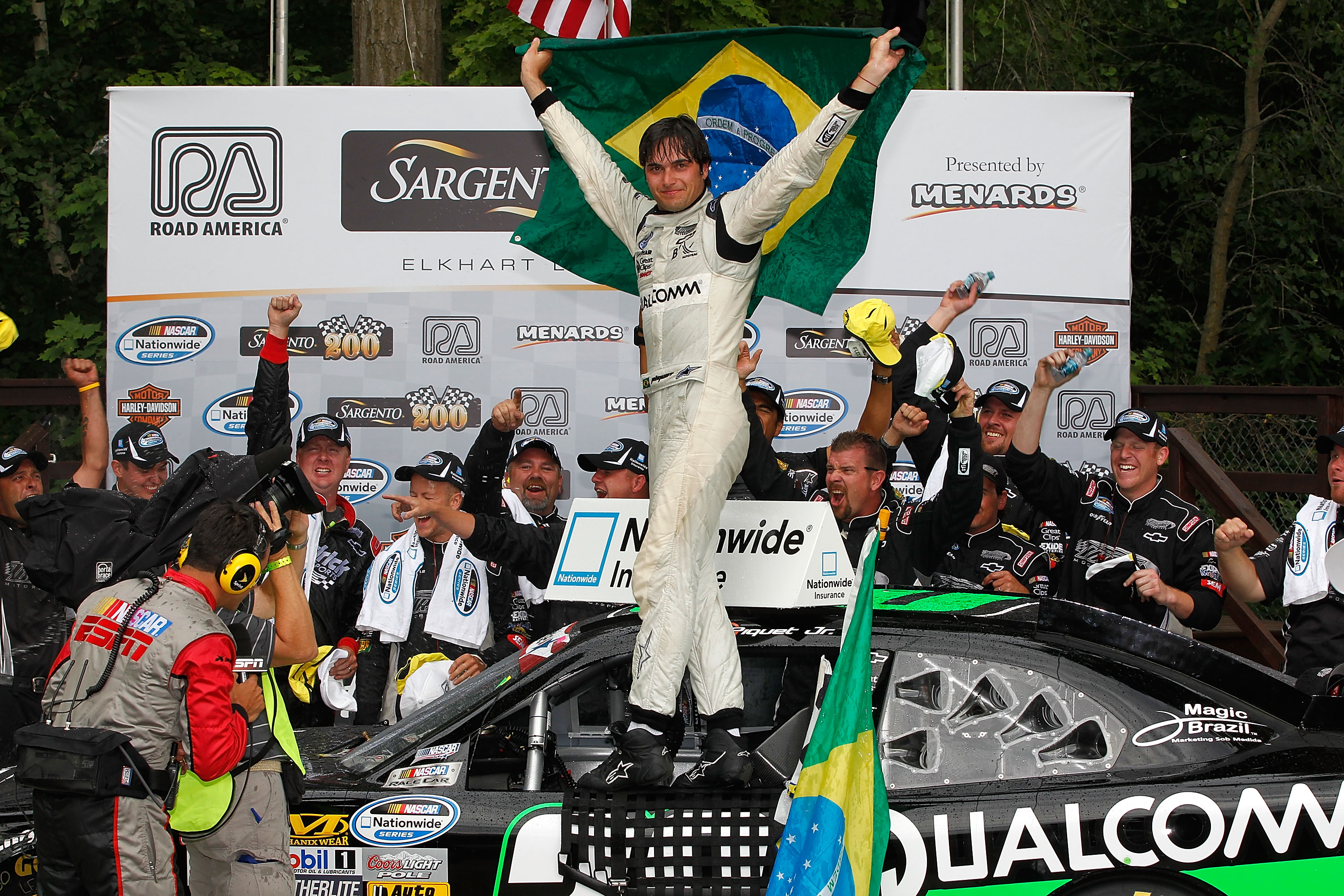 2012_ra_june_nns_race_062312_piquet_victory_lane.jpg