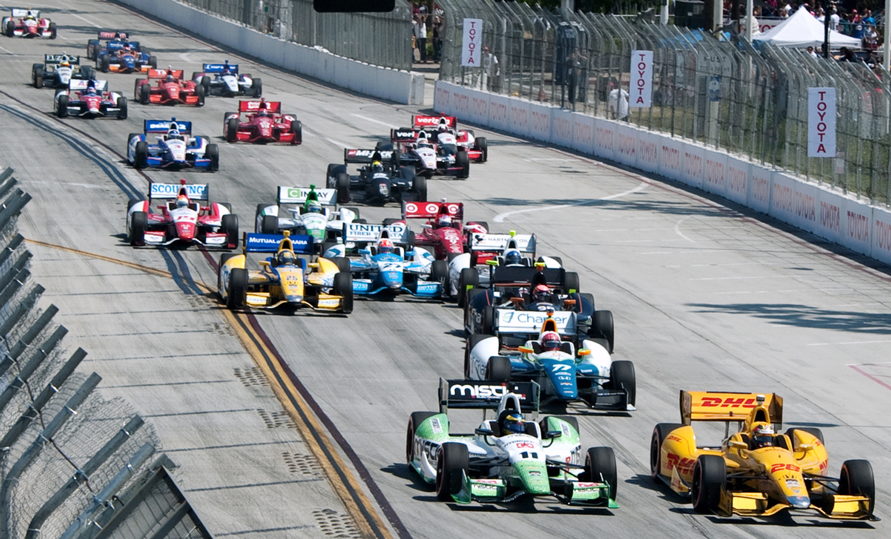 CAPTION-4-Start-of-the-IndyCar-race.jpg